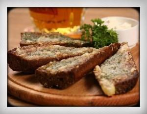 Russian finger food grenki