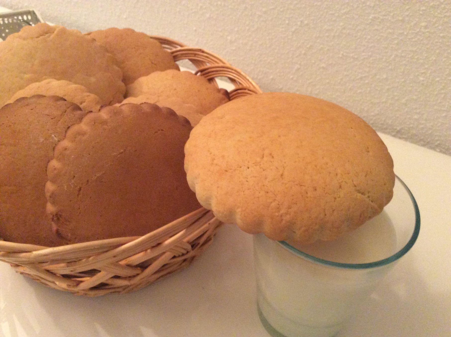 Russian shortbread cookie Molochnyi Korzhik